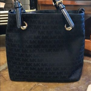 NWT Michael Kors Jet Set Grab Bag